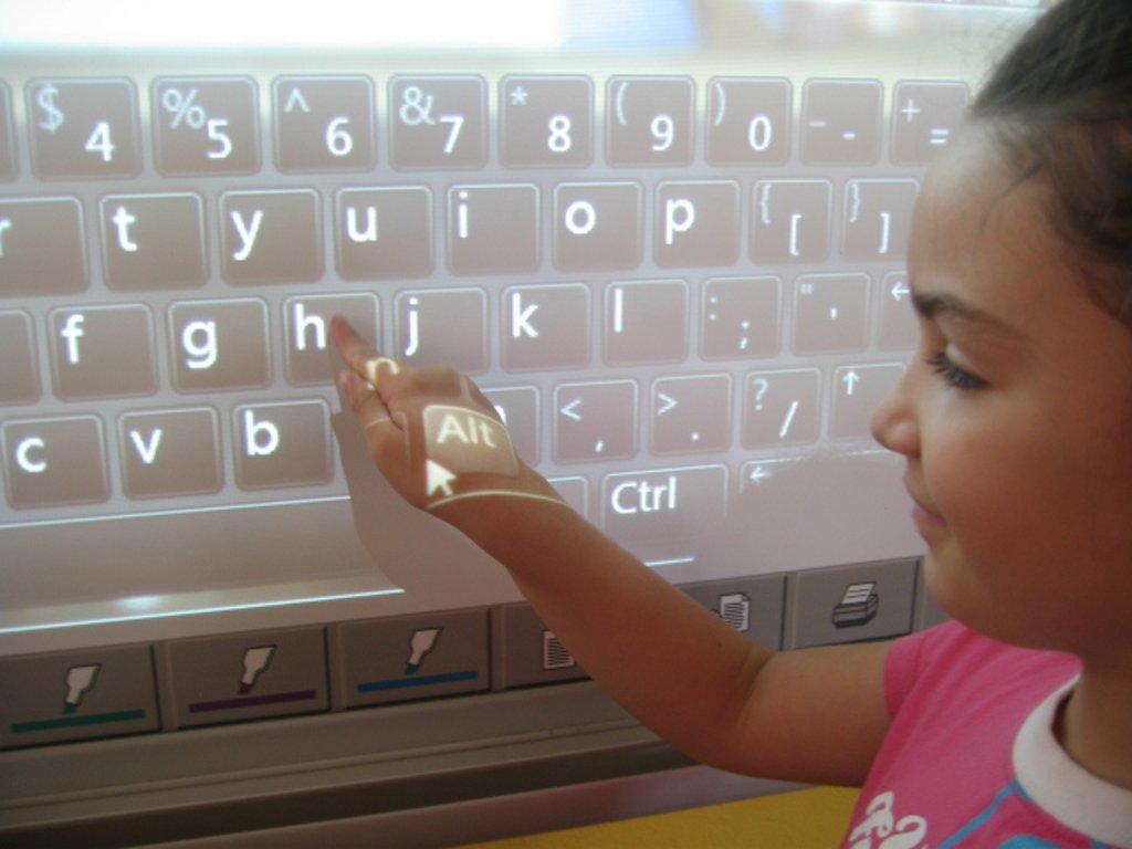 Collaborative Teaching Wiki : Free open eclass teaching english to children thr